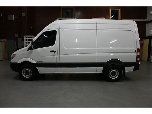dodge sprinter 2500 144 wb clean low miles hi top 2007 sprinter 2500 diesel power mercedes. Black Bedroom Furniture Sets. Home Design Ideas